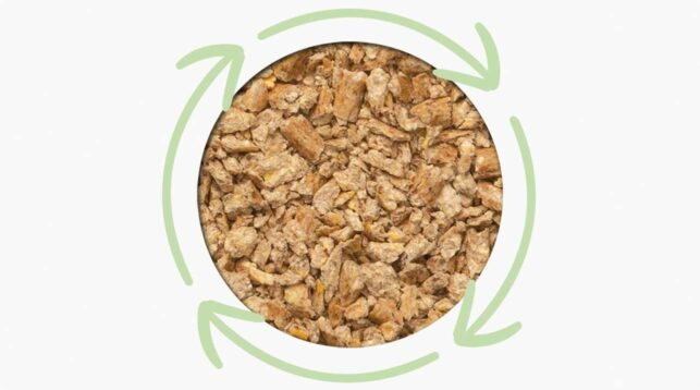 Wood clumping litter recycle